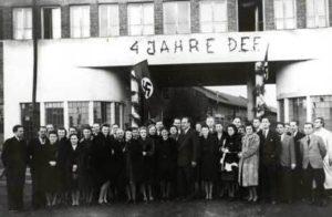 Oskar Schindler Mit Mitarbeiter